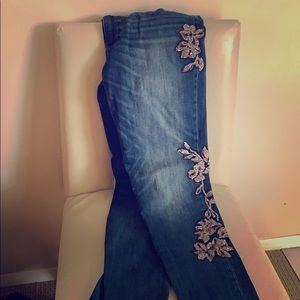 WHBM Slim jeans embroidered with flowers